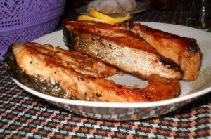 вкусна риба - сьомга на скара